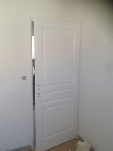 travaux faciles la mise en peinture de portes int 233 rieures
