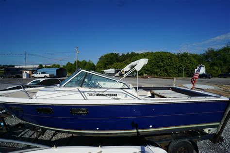 tiara yachts pursuit boats tiara pursuit 2500 boat for sale from usa