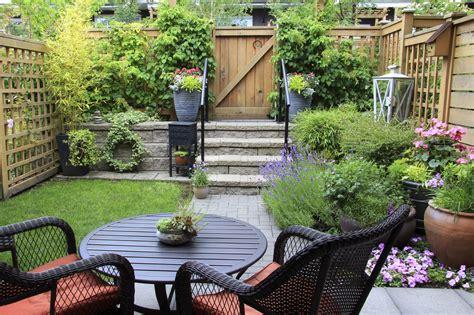 tiny backyard house creating a small garden space how to make a garden with