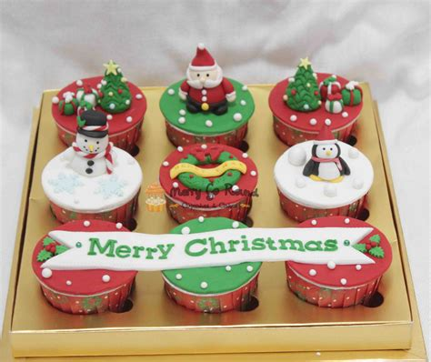 merry   cupcakes cakes christmas cupcakes  cookies  coming  town
