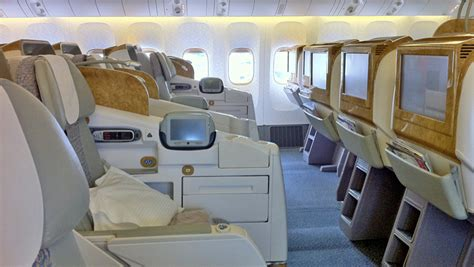 best seat boeing 777 300er the best seats in business class on emirates boeing 777