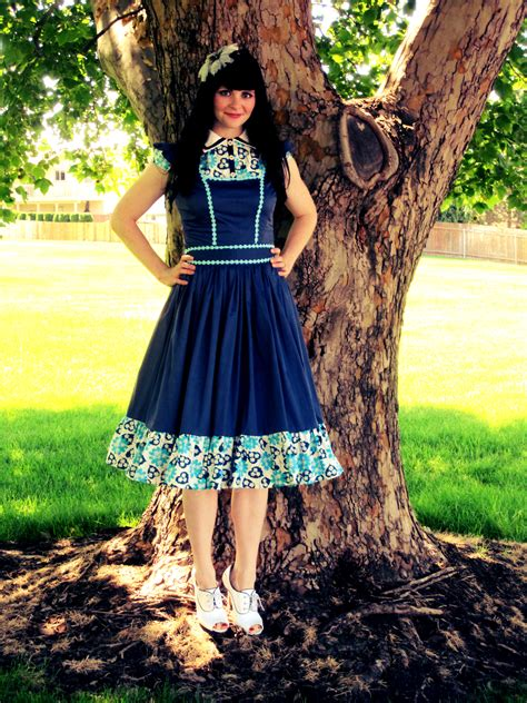 dress pattern alice in wonderland alice in wonderland goes to church sewing projects