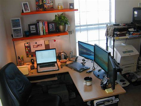 50 Greatest Computer Workstation Pc Mac Setups Hongkiat Computer Desk Setups