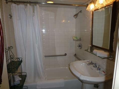 five ls bathrooms american queen steamboat cabins and suites