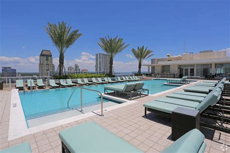 Snell Isle Luxury Waterfront Apartment Homes One Bedroom Apartments In St Petersburg Fl Calais Park Lofts Apartments St Petersburg Fl Walk