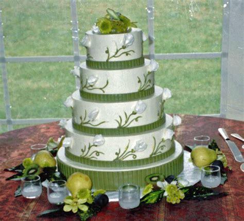 Wedding Cake Green   Weddings Eve