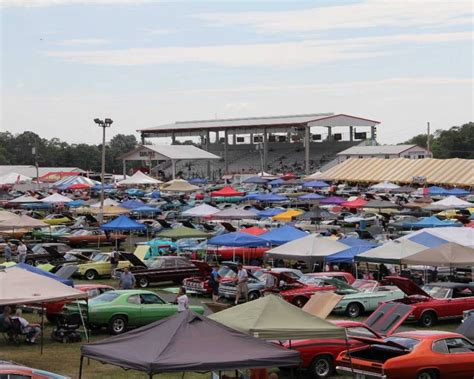 Carlisle Chrysler Nationals by Chrysler Weekend Becomes Carlisle Events Show Of