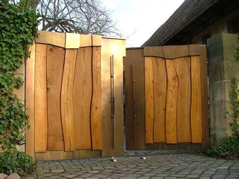 Holzzaun Gartentor