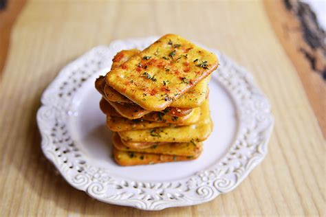 whole grains crackers spicy whole grain crackers