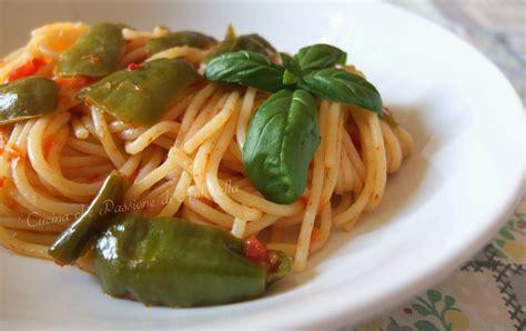 cucinare friggitelli spaghetti con friggitelli
