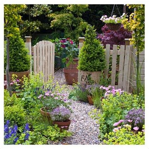 cottage garden paths pictures 25 best ideas about cannock gates on gravel