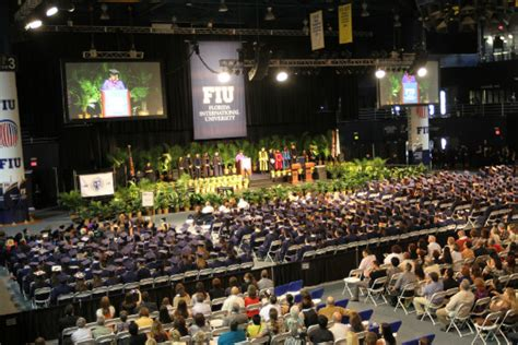 Fiu Mba Gpa by Fall Commencement Celebrates Excellence Biznews