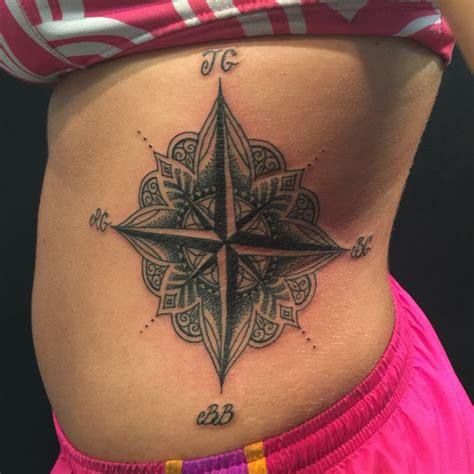 compass tattoo rib cage m 225 s de 1000 ideas sobre mandala compass en pinterest