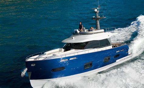best cruising power boats under 40 feet 10 top cruising power boats 171 yachtworld uk