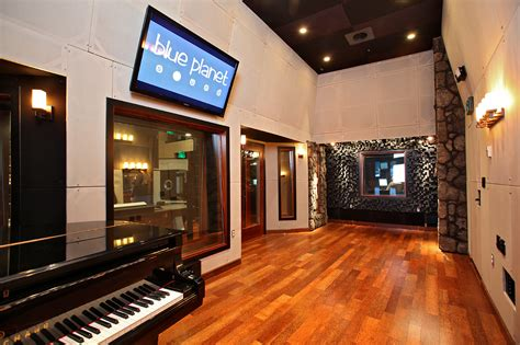 Live Room Recording by Blue Planet Sound Hawaii Recording Studio