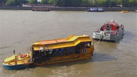 duck tour boat fire london dramatic footage of fire on duck boat in central london