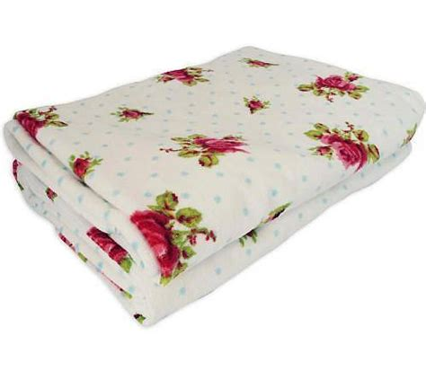 bath towels with roses roses dots bath towels by pip studio by fifty one percent notonthehighstreet