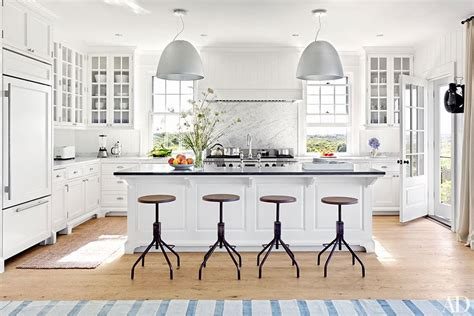nantucket kitchen nantucket vs martha s vineyard elements of style blog