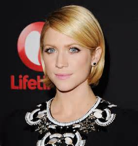 hair tucked ear hair stykes brittany snow wore her bob neatly tucked behind her ears