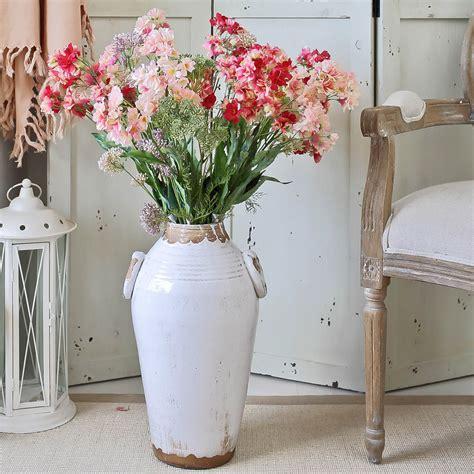 como decorar jarrones de suelo jarrones grandes de suelo 161 para sorprender