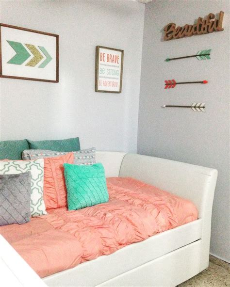 Gray Teal And Coral Bedding by The 25 Best Coral Bedroom Ideas On Coral