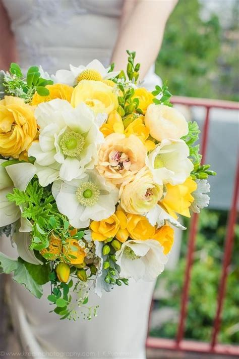 Wedding Bouquet Yellow Green by 393 Best Images About Yellow Flower Arrangements
