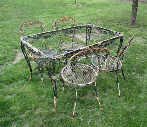 Vintage woodard wrought iron chantilly rose table amp 4 chairs patio set wrought iron iron and