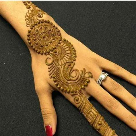 16 amazingly easy mehndi designs for hands and feet easyday amazing collection of mehandi designs for back side of the