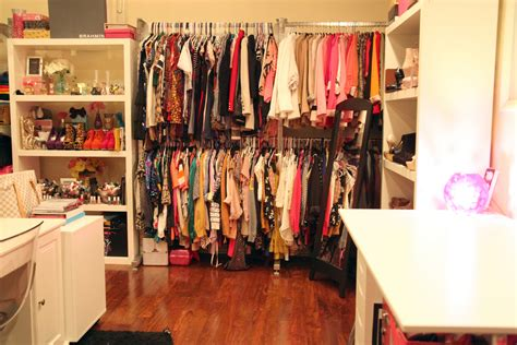 Your Big Closet by Idea How To Arrange Your Room With Clothes