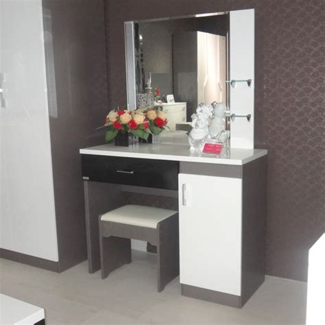 vanity table for bedroom modern makeup vanity modern bedroom vanity table makeup