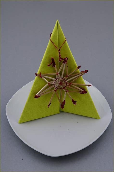 weihnachtsbaum servietten falten die besten 25 servietten falten weihnachten ideen auf