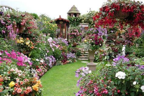 Pretty Flower Gardens Pictures Backyard Meeee Le Jardin