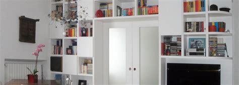 mobili a ponte per soggiorno separare cucina e soggiorno con un mobile a ponte sulla