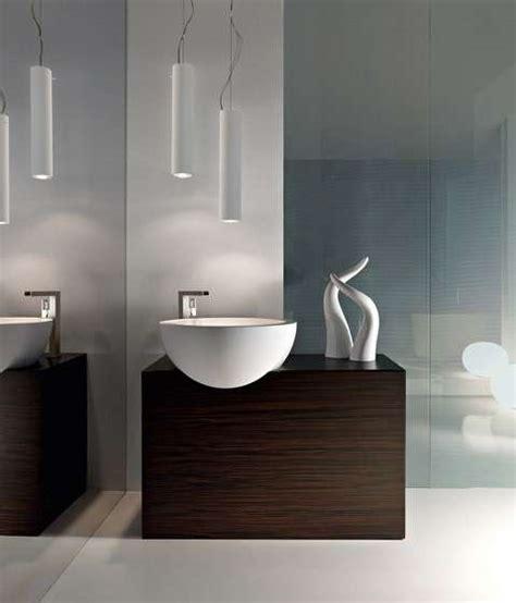 illuminazione per il bagno lade dal design moderno