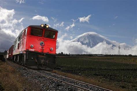 vulcano camino with volcano cotopaxi camino al boliche picture