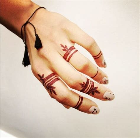 Finger Tattoo Mehndi | 100 imaganitve finger tattoo designs for boys and girls