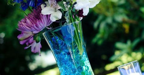 blue and purple centerpieces would look super cute with