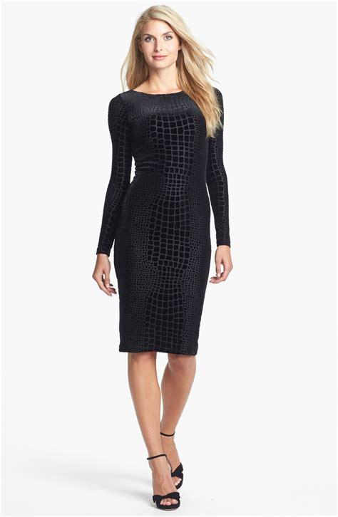 isaac mizrahi new york burnout velvet pencil dress in