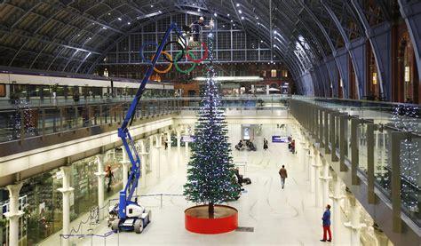 lego christmas tree unveiled at st pancras uk news the