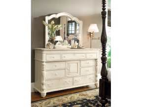Paula Deen Bedroom Furniture Paula Deen By Universal Bedroom Door Dresser 996040