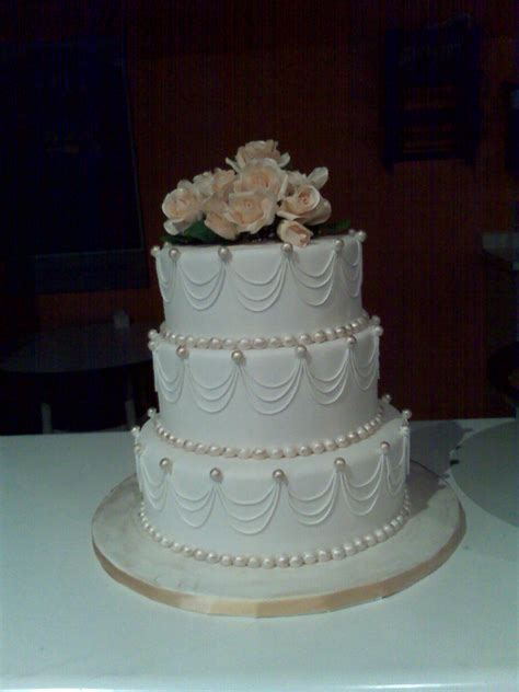 Wedding Cake Hamilton by Custom Wedding Cakes In Hamilton Burlington Oakville