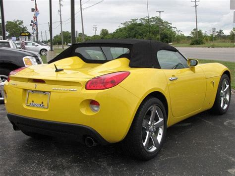 pontiac sports car almost sports cars pontiac solstice carbuzz