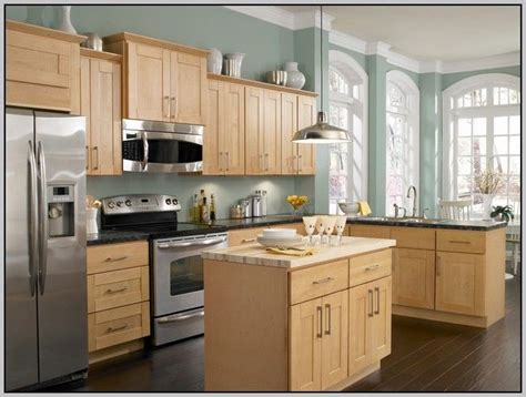 Maple Colored Kitchen Cabinets Kitchens With Honey Maple Cabinets Search Kitchen Oak Cabinets Wall