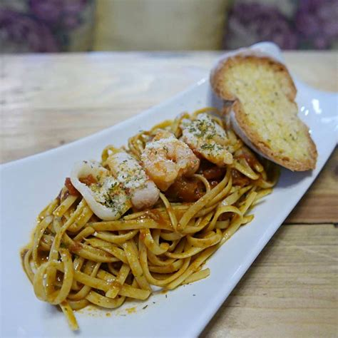 Eat Like Friends Il Soles Shrimp Linguine by Create A Work Of And Eat European Favorites At Il