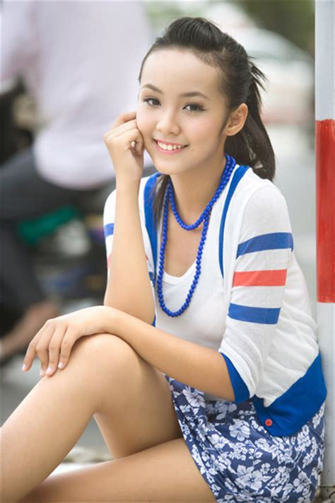 12 yo girl model 12 year old vietnamese model becomes famous on internet