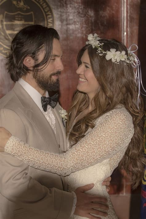 mandy moore s wedding dress in this is us popsugar fashion