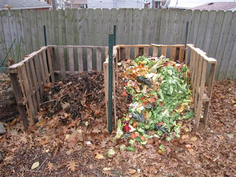 How To Make A Compost Pile In Your Backyard by Composting Return To Pioneer Gardening