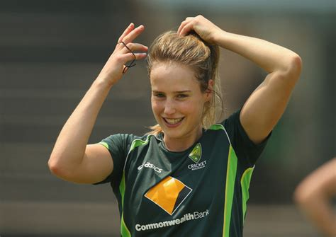 female hot cricketers top 10 hottest women cricketers