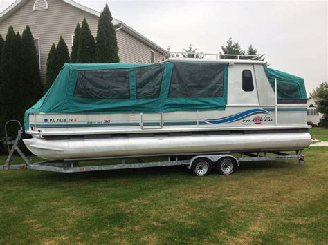 sun tracker 30ft party hut pontoon boat w hard roof and - 30 Ft Pontoon Boat Trailer For Sale