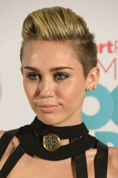 flo hawk hairstyles miley cyrus fauxhawk short hairstyles lookbook stylebistro
